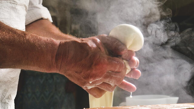Inside_the_Fine_Art_of_Artisanal_Cheesemaking